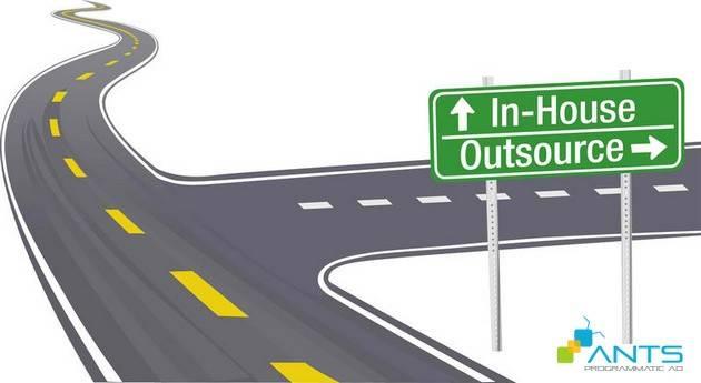 Mô hình đơn giản để quyết định thuê ngoài hay tự làm